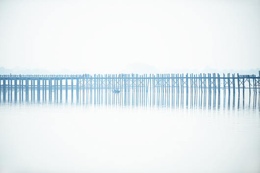 Image of   U Bein Bridge in the fog af Julie Aucoin
