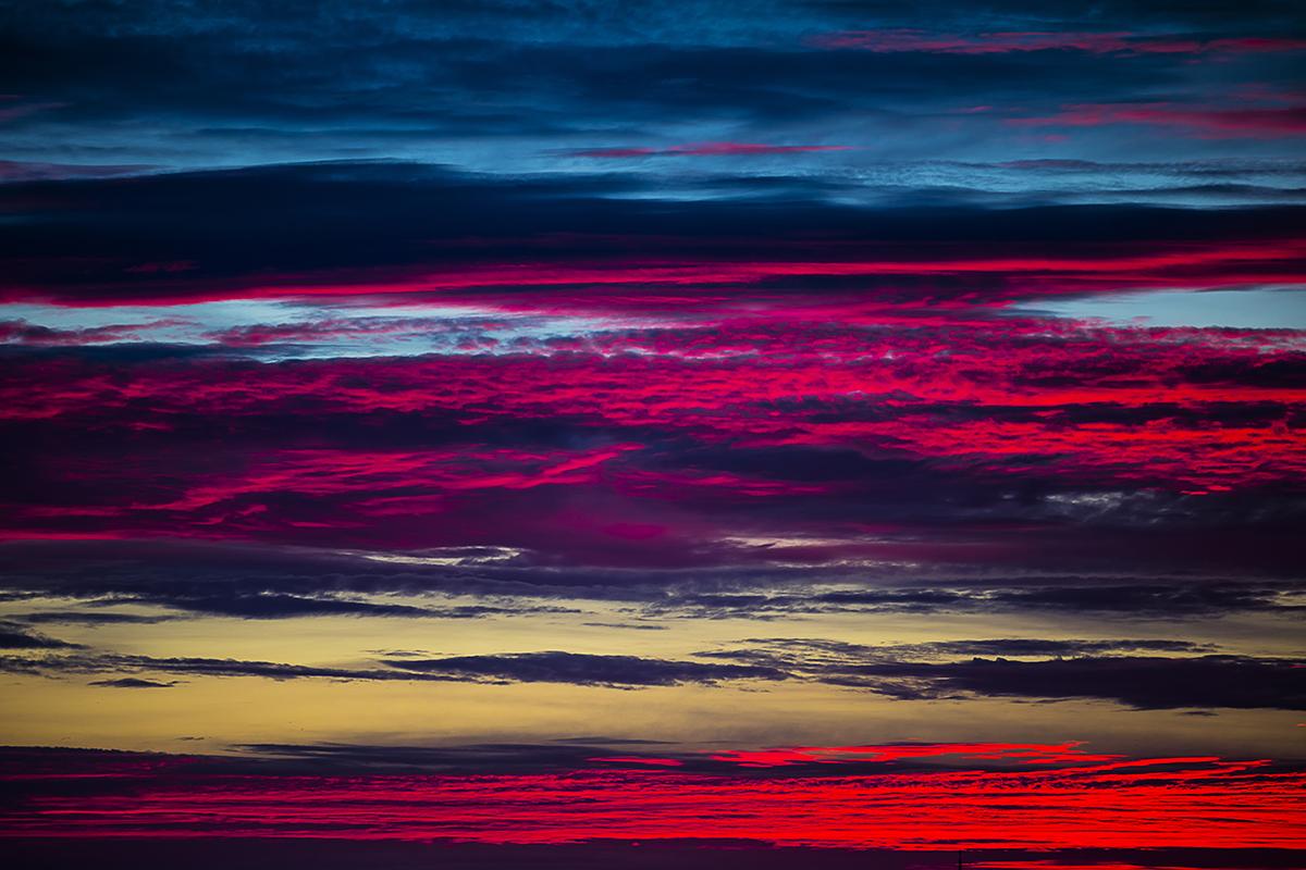 Stripes at Sunset af  Wilfred Gachau